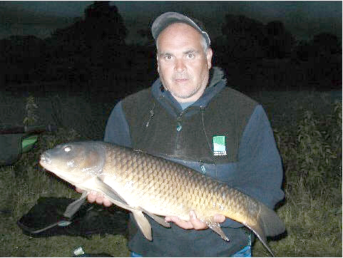Alan Newton with 13lb 12oz carp, total weight 30lb 03oz, 3rd at the first evening match at the clay pit